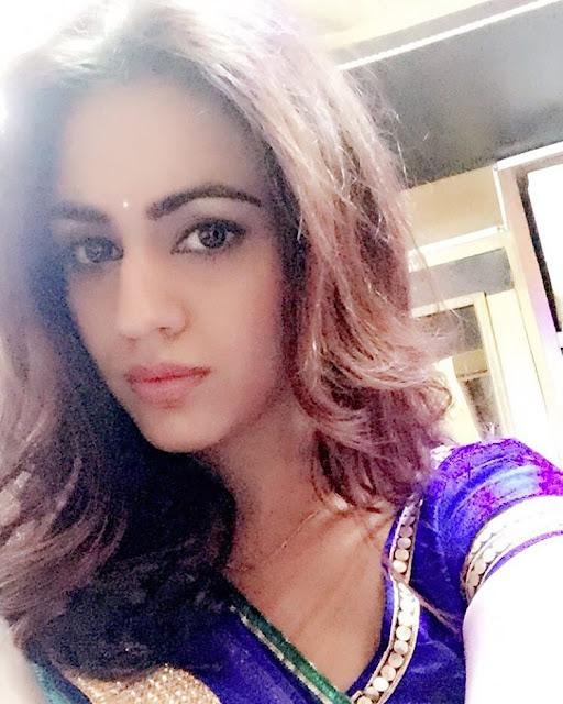 Aksha Pardasany Instagram Pics