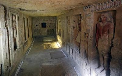 Αίγυπτος: Βρέθηκε «άθικτος» τάφος ηλικίας 4.400 ετών