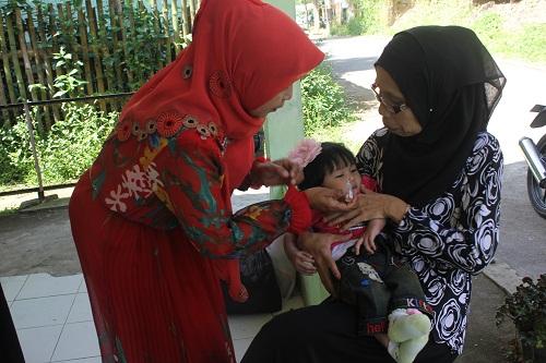 Pekan Imunisasi Nasional Polio Berlangsung dari 8 - 15 Maret 2016