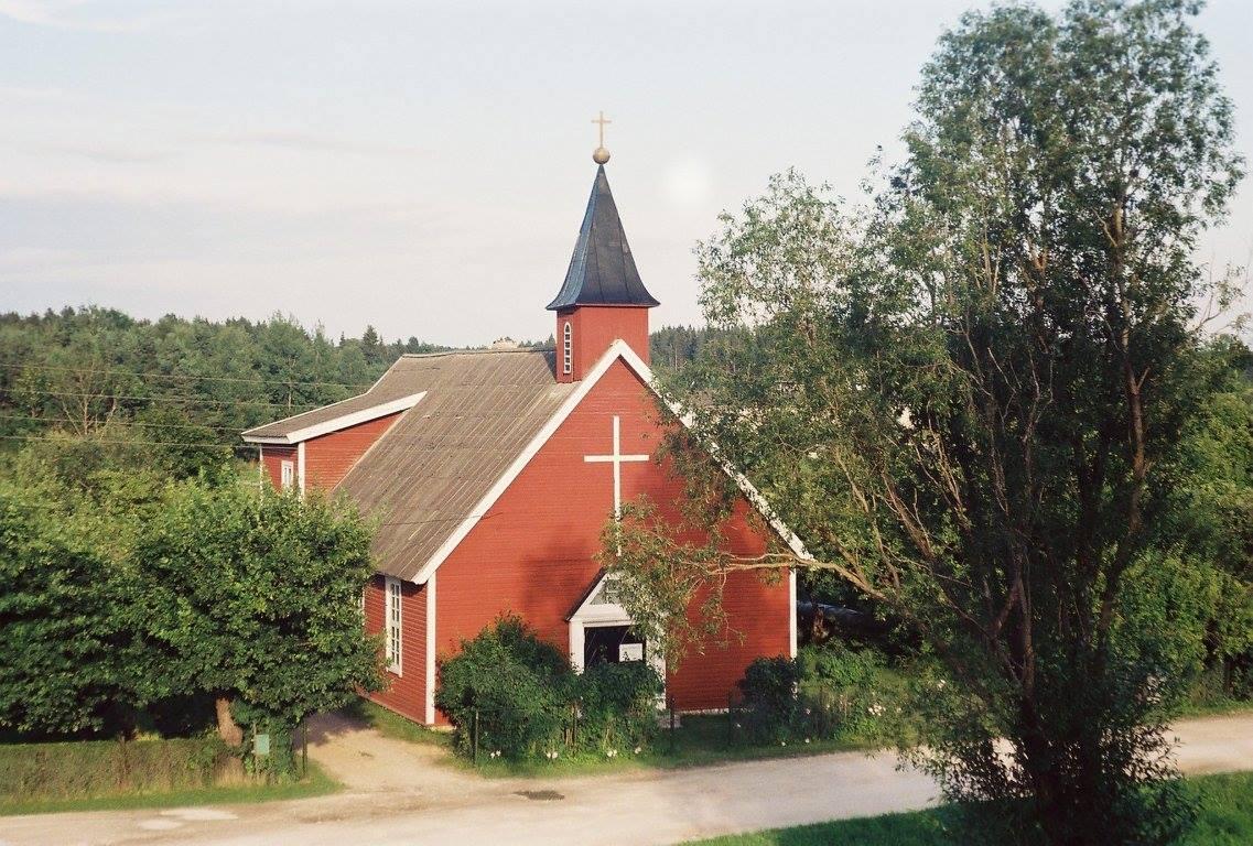 1b60b547eb3 Kaks aastat pingsat tööd, palveid ja ohverdamisi ning kogudusel oli valmis  oma maja, kuhu koguneda. Rakke palvela avamine toimus juulikuul 1934.