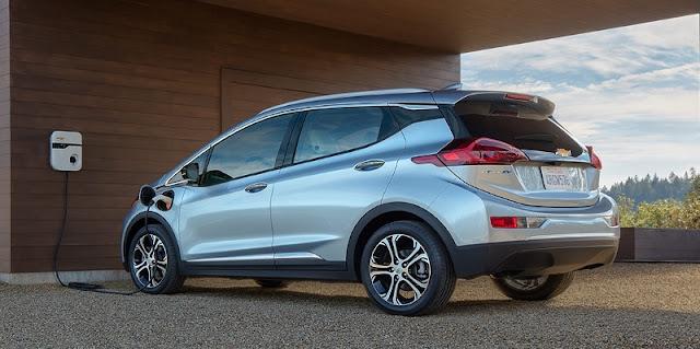 chevrolet-bolt-electric-car-charging