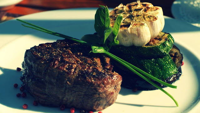 Protein Hewani, steak