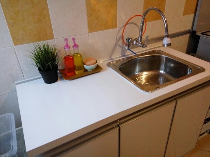 Permukaan Sinki Ni Saya Letak Bekas Sabun Cuci Tangan Pinggan Span Dan Pokok Hiasan Selain Tu Kosongkan Je Sebab Ruang Adalah