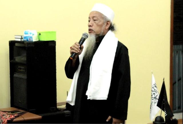 KH. Afifudin Pengasuh Pondok Pesantren Holy Alfurqon Mangkang