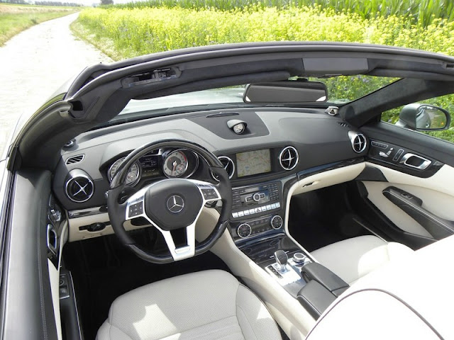 Interior de Mercedes Benz SL 350