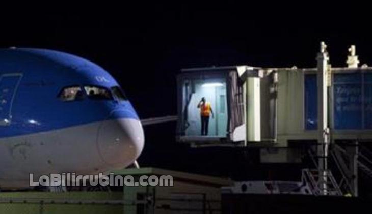 Retienen avión por presencia de piloto chino en Aeropuerto Internacional Las Américas