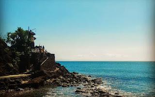 Kuil Batu Bolong Lombok