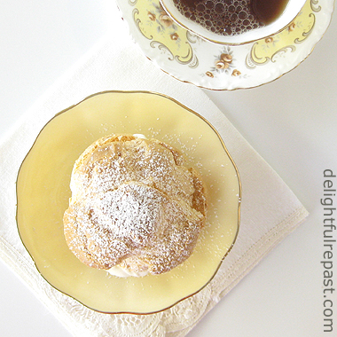 Cream Puffs - Pate a Choux / www.delightfulrepast.com
