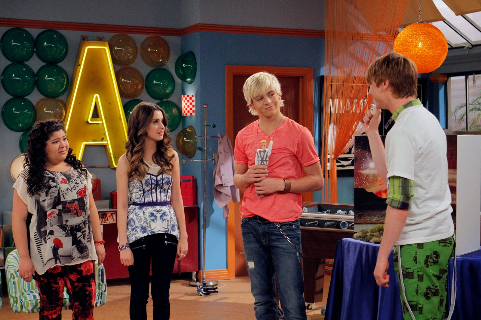 where can i watch austin and ally