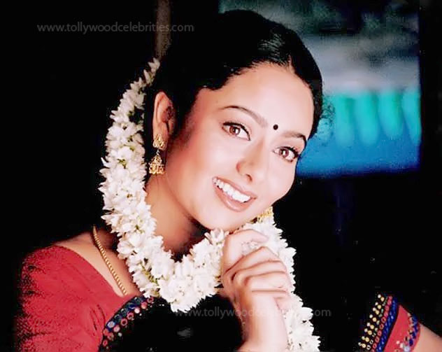 Soundarya Profile Biogarphy Biodata Family Photos