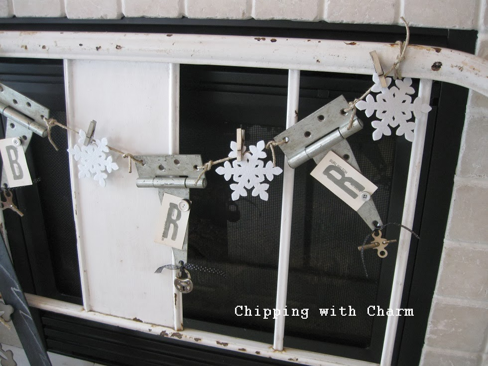Chipping with Charm:  Hinge Bunting...http://www.chippingwithcharm.blogspot.com/