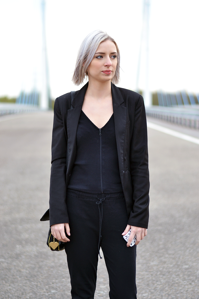 Zara jumpsuit, bershka black blazer, marc b, bag, shoulder bag, dylan bag, red lips, white hair