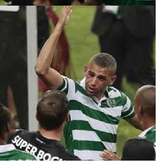 فيديو انفعال سليمانى على زميل فريقه بسبب رشه بالخمور بعد مباراة سبورتينج لشبونة