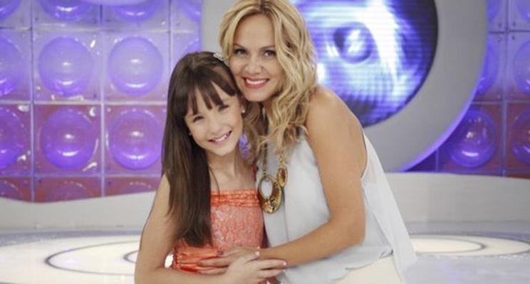"""Com Larissa Manoela, Eliana mostra os bastidores da novela """"Cúmplices de um  Resgate"""" 257099617e"""