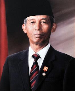 Wakil Presiden Sudharmono, S. H