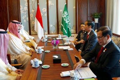 pangeran saudi dan presiden ri berbincang