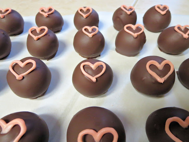 Pink Heart Cake Balls 2