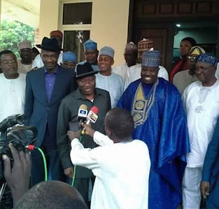 Jonathan and Sheriff holds secret Meeting
