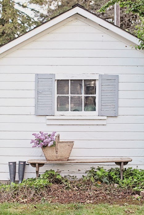 12 Farmhouse Style Home Decor Ideas {Dreamywhites}