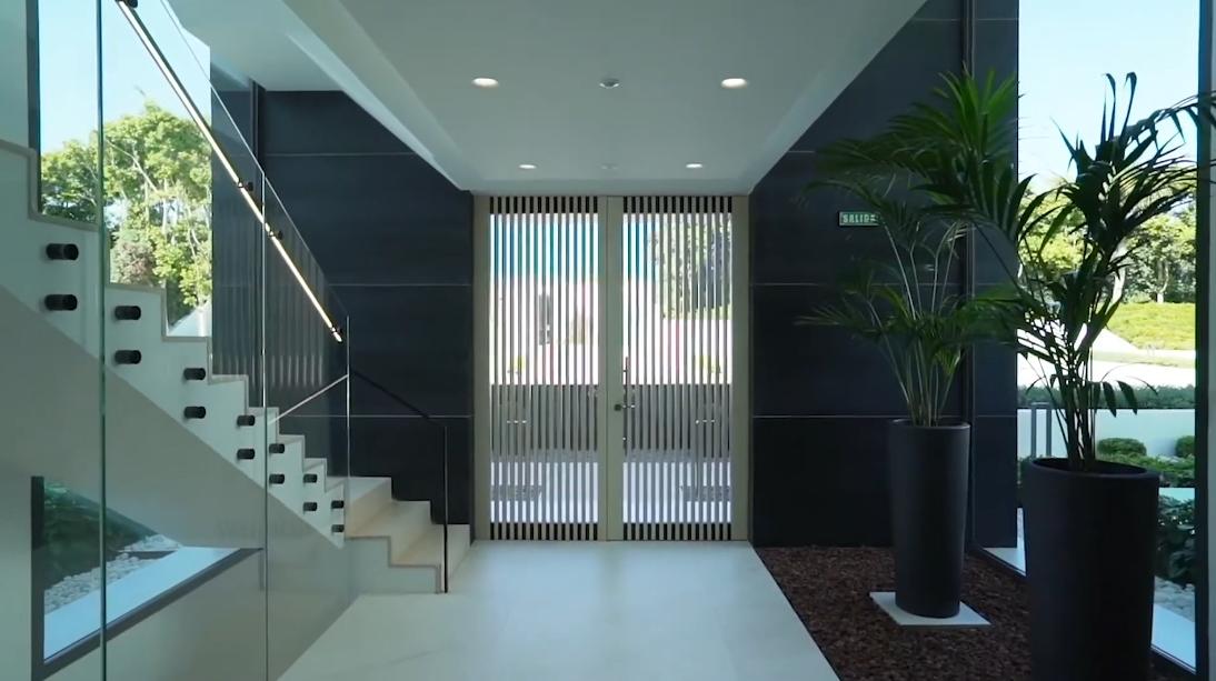 32 Photos vs. Emare Estepona Luxury Beachfront Condos Interior Design Tour