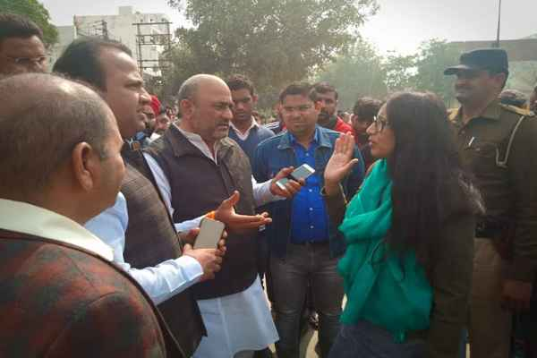 congress-leader-sumit-gaur-demand-bjp-leader-office-also-be-sealed