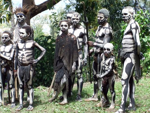 Misteri Klan Manusia Kerangka di Pedalaman Papua Nugini