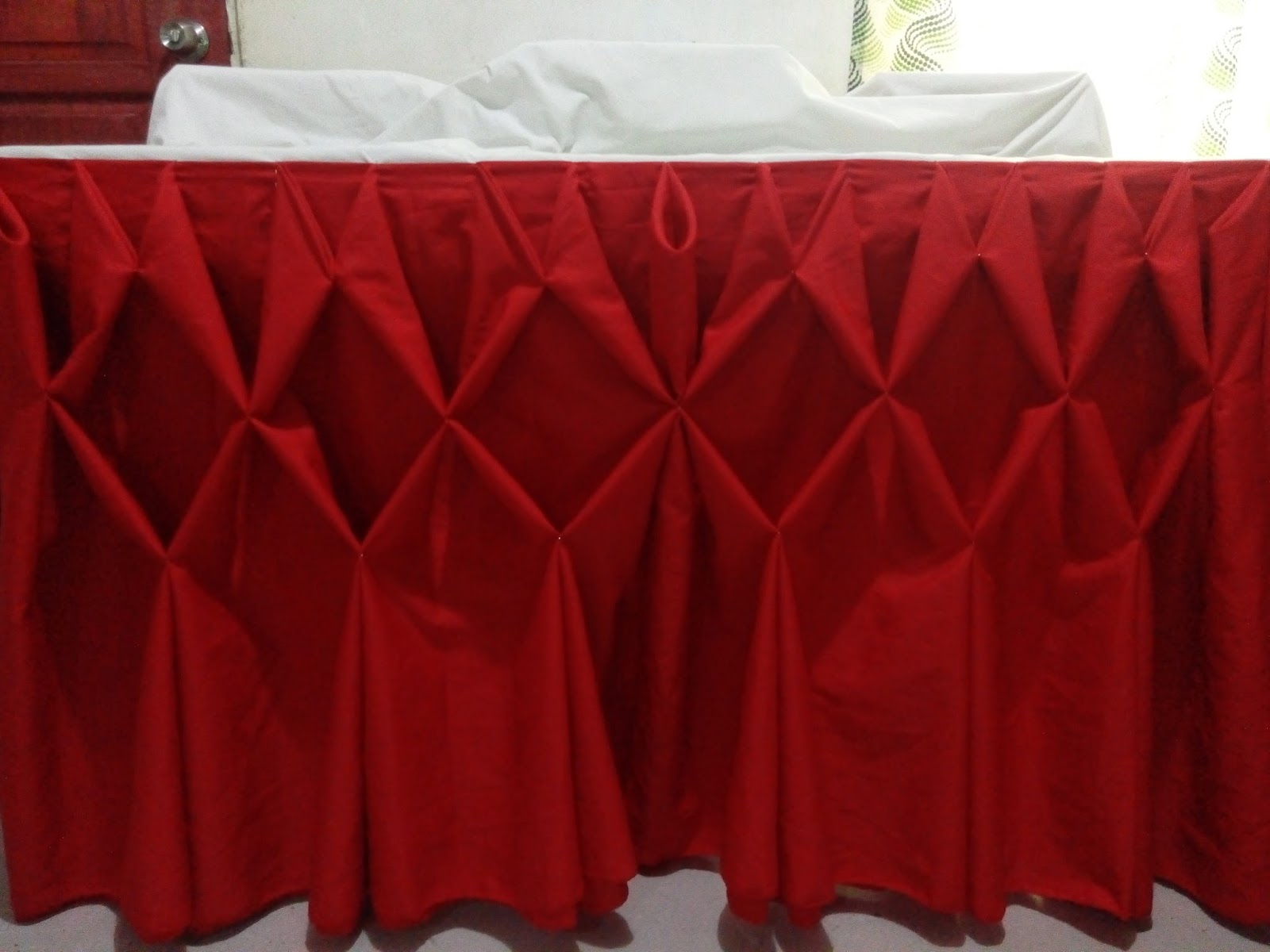 Continue Pinning 2 Pleats Together Until You Achieve The Desired Diamond Table  Skirting.
