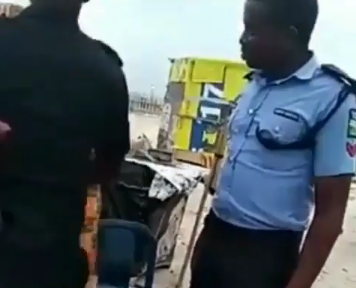 Police Officer Slaps Young Man Who Refuse To Bribe Him