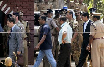 RECENT POLITICAL ISSUES IN KERALA: Kerala Police Detains ...