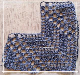 free crochet top pattern, free crochet ladies top pattern, kamal kadai thread, kankari thread, lace weight yarn pattern, exquisite crochet pattern, free crochet pattern, crochet chevron stitch pattern, polyester purse thread,