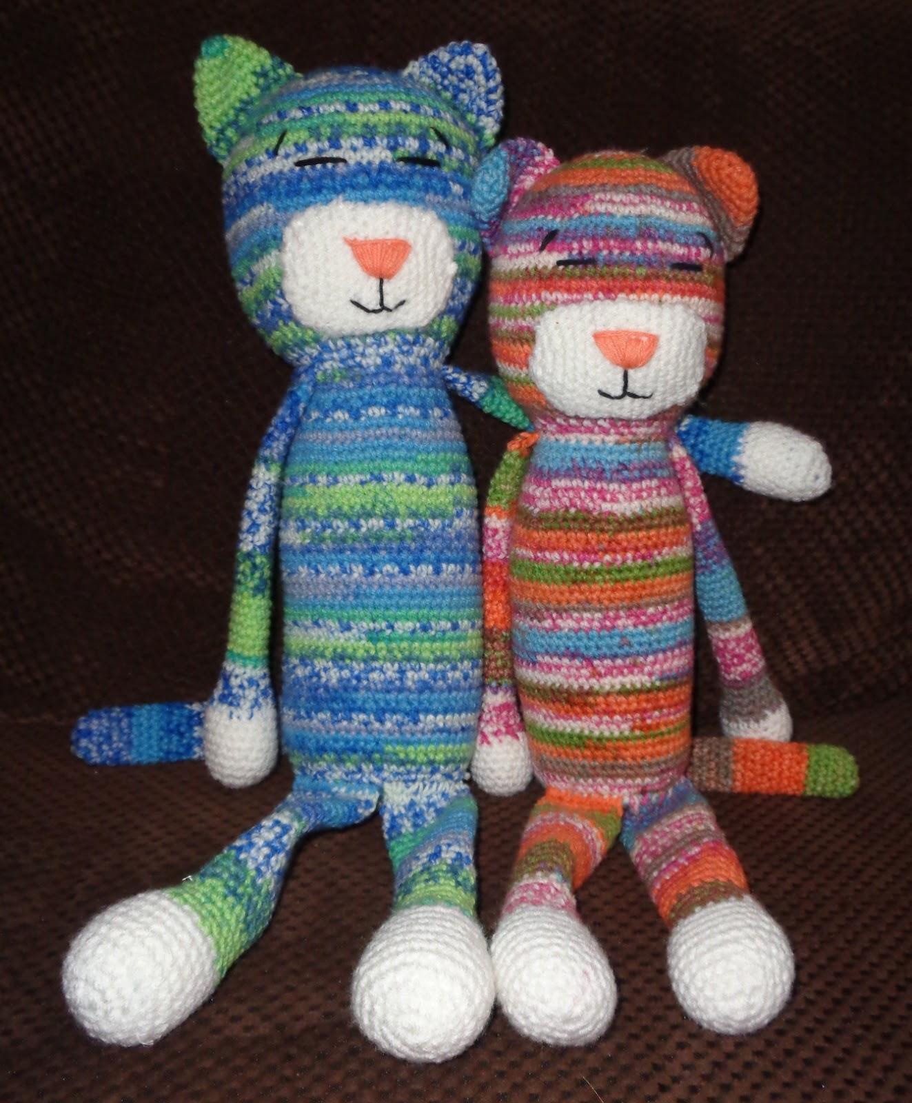 Cuddle Me Bunny amigurumi pattern - Amigurumi Today | 1600x1323
