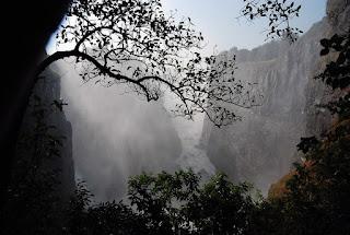 1 - vue des chutes occidentales. Les chutes ont plusieurs noms selon leur emplacement …