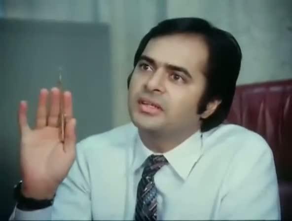 Screen Shot Of Hindi Movie Kissi Se Na Kehna 1983 300MB Short Size Download And Watch Online Free at worldfree4u.com