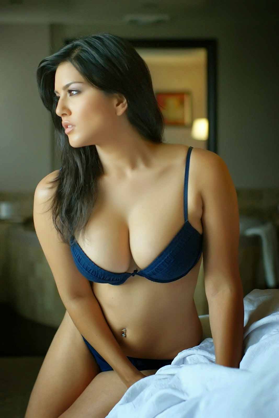 Sunny Leone Hot Images In Blue Bikini - Hot4Sure-8133