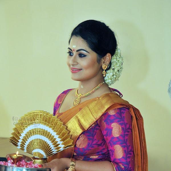 Sruthi Lakshmi latest photos from Sarayu wedding