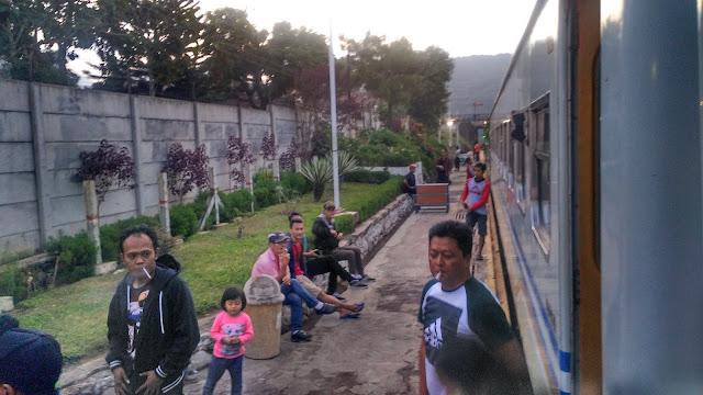 Stasiun Cipendeuy
