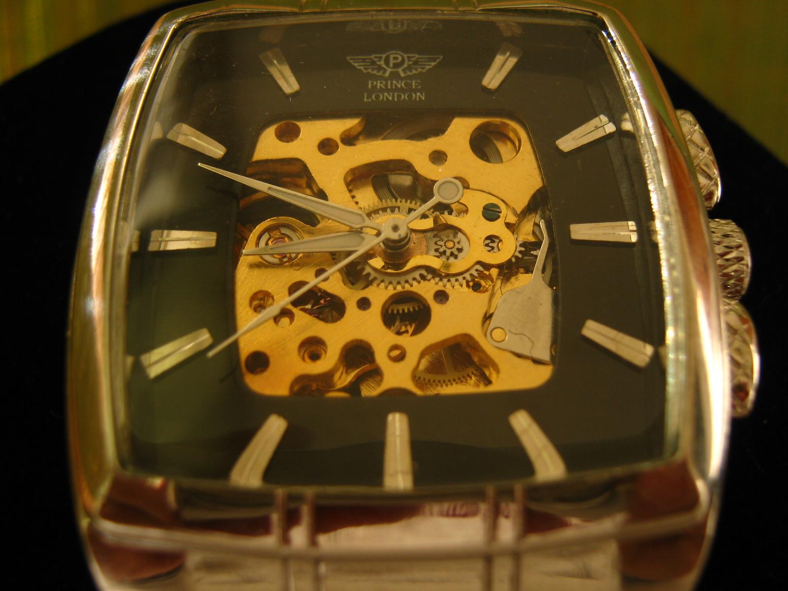 Eladó a fotókon látható Új!!! skeleton (csontváz) óra! A skeleton órák  jellegzetessége 45b119713b