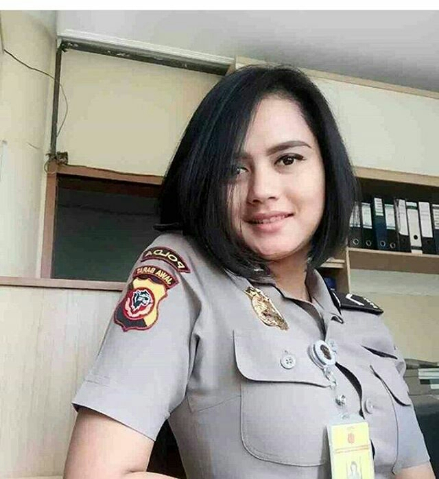 foto foto polwan cantik dan sexy di indonesia download
