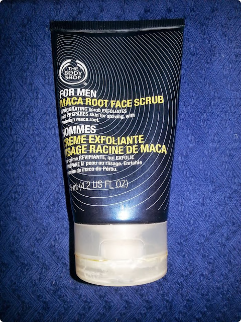 the-body-shop-exfoliante-facial-raiz-maca-hombres