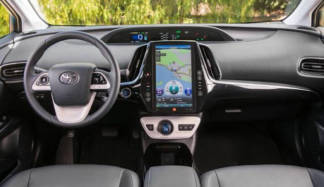 2018 Toyota Prius Prime Full Interior