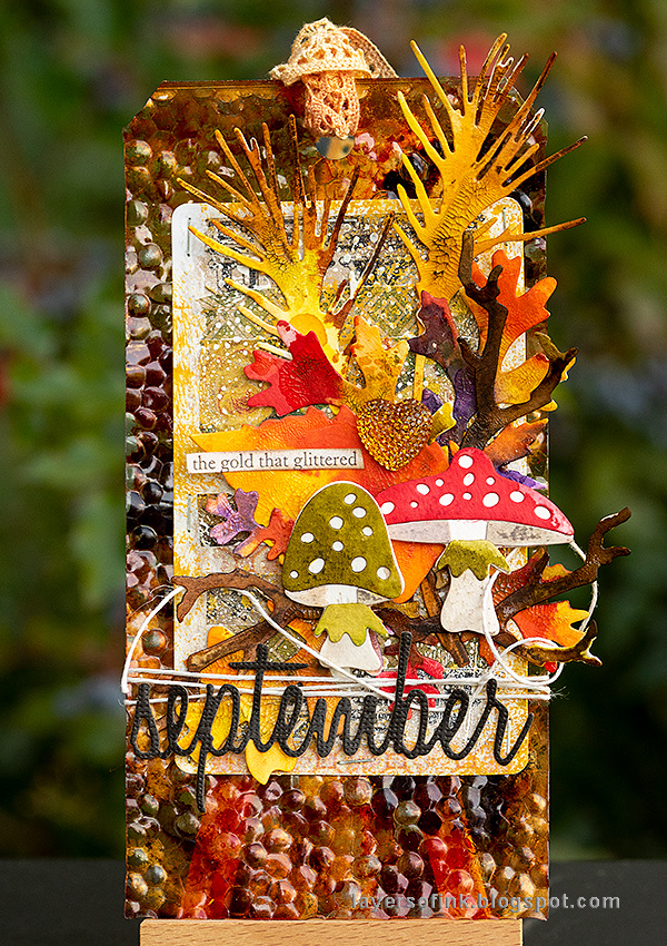 Layers of ink - Embossed Acetate Autumn Tag Tutorial by Anna-Karin Evaldsson made with Tim Holtz Sizzix dies