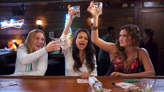 """Mila Kunis e Kristen Bell no trailer legendado da comédia """"Perfeita É A Mãe!"""""""