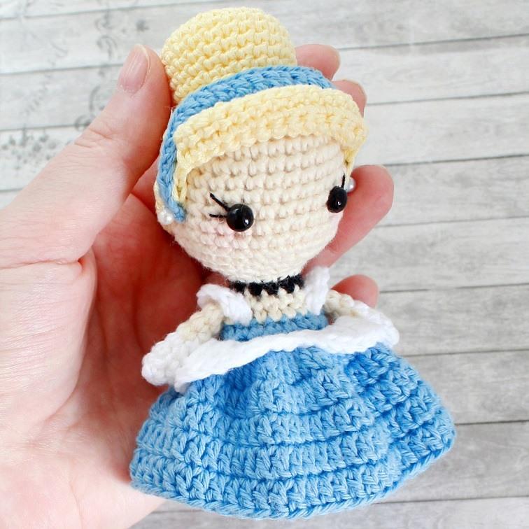Кукла Золушка амигуруми крючком