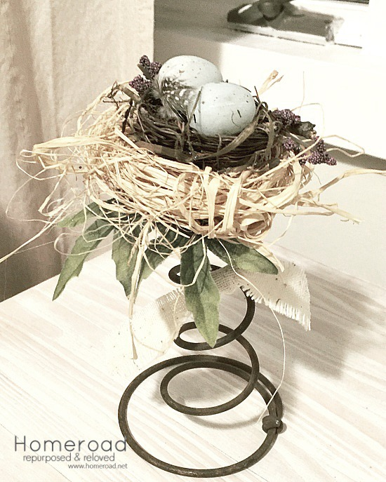 DIY Beautiful Vintage Bed Spring Centerpiece Projects