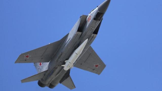 Rudal Kinzhal pada MiG-31K