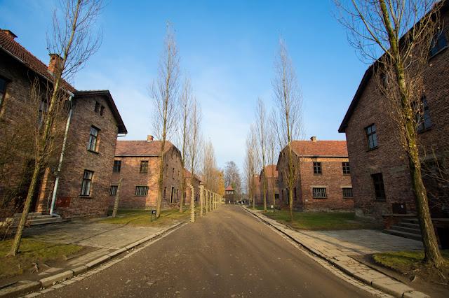Capannoni-Campo di concentramento di Auschwitz