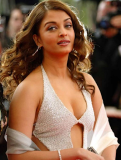 Aishwarya Rai Bachchan's Sexy Posters Removed from the Malaysian Store.!!