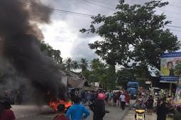 Ratusan Warga Desa Mappedeceng Aksi di poros Masamba