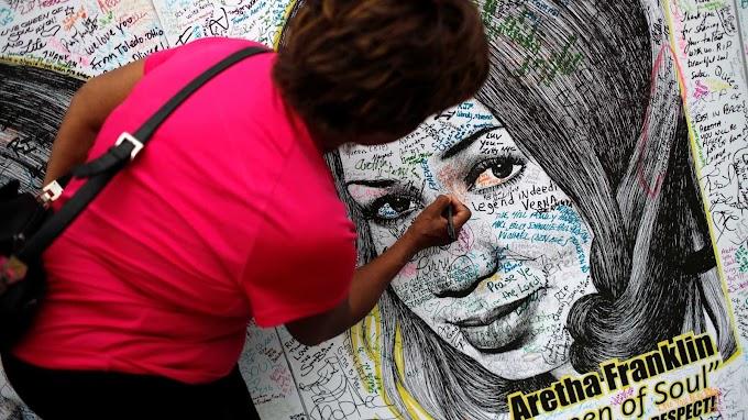 Fãs dão último adeus a cantora Aretha Franklin nos EUA