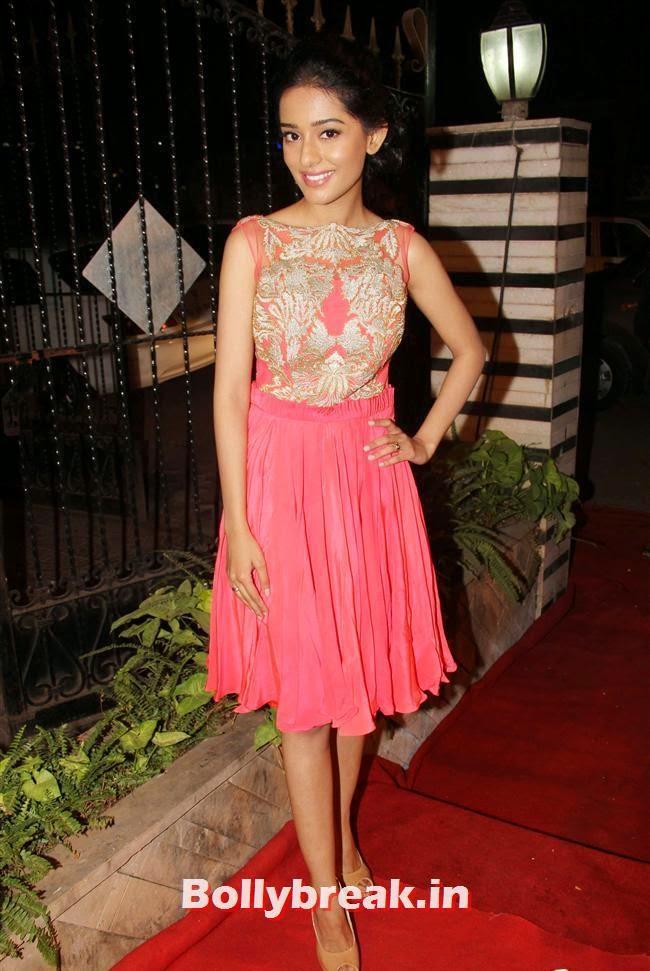 Amrita Rao, Celebs at Opening of Mayyur Girotra Couture